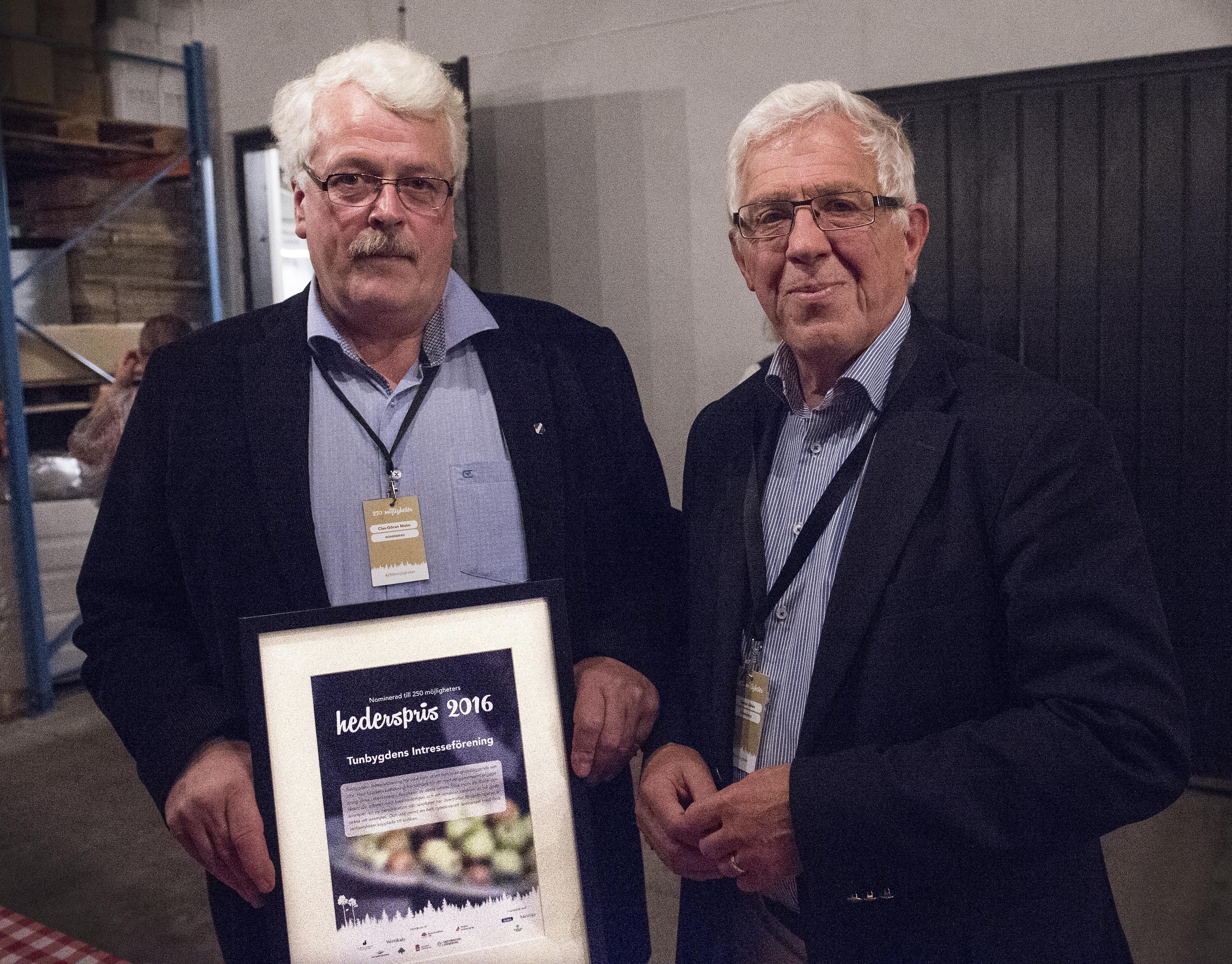 250 Möjligheter, hederspris till Tunbygdens Intresseförening. Foto Anna Hållams